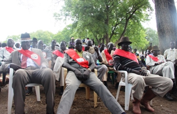 WTF! Soldiers shave off beards of chiefs with broken glass in Tonj