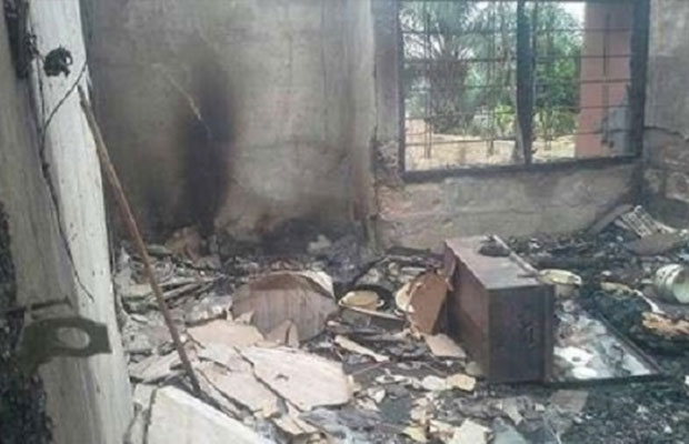 lady sets boyfriend's house ablaze for cheating on her (Photo)