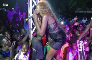 Tutu Baibe on stage