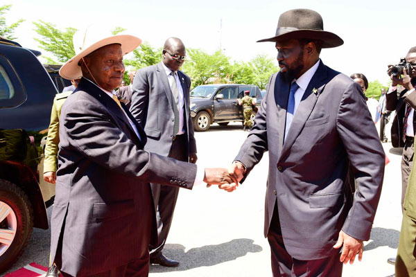 Salva Kiir praises Museveni for continued support