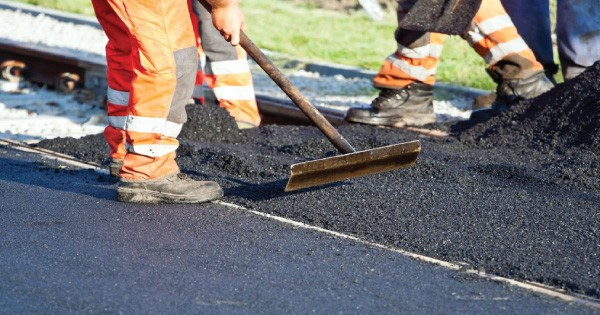 China to build roads in South Sudan in exchange of crude oil
