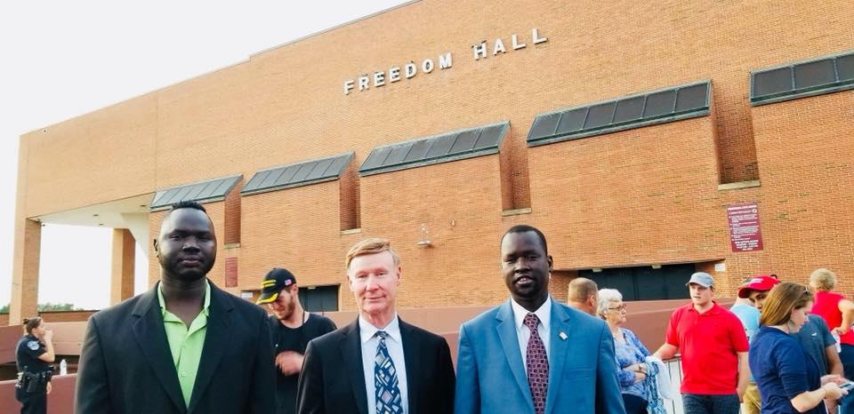 [Photos] Hot Dogg, Presidential aspirant Paul Mator, meet Trump