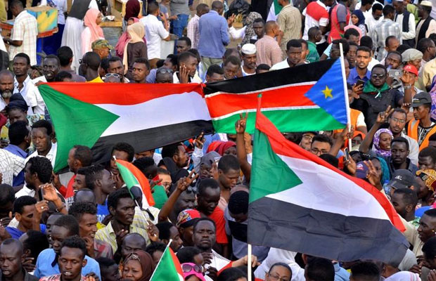 Sudan protestors want Bashir tried for crimes he committed in South Sudan, Darfur [VIDEO]