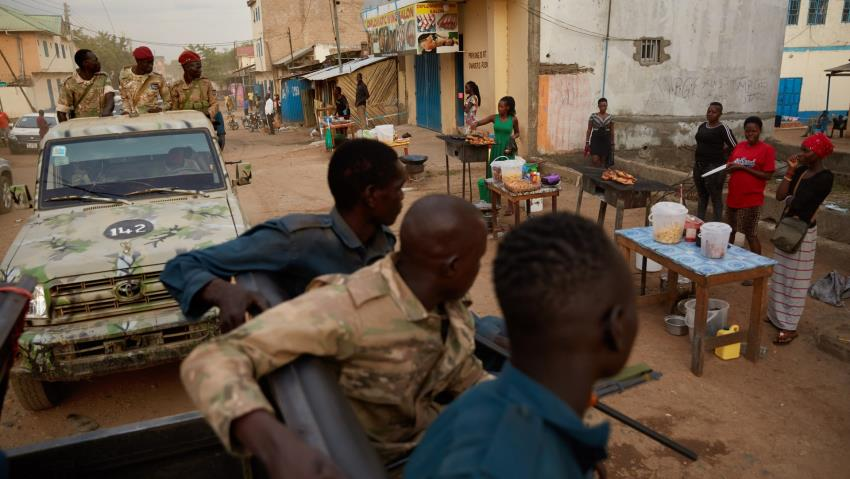 Police on campaign forcefully reducing prices of basic commodities  in Juba  – Ayii Duang